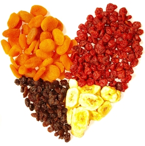 dried-fruits-heart
